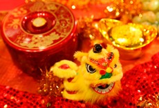 CELEBRATE THE GOLDEN DRAGON CHINESE NEW YEAR