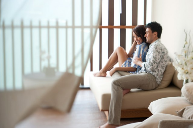 Pic---The-Great-Getaway-at-Hilton-Pattaya_Couple-Lifestyle-1
