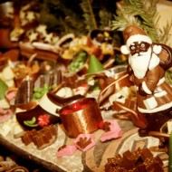 <b>Festive Celebrations at Anantara Bangkok Riverside...</b>