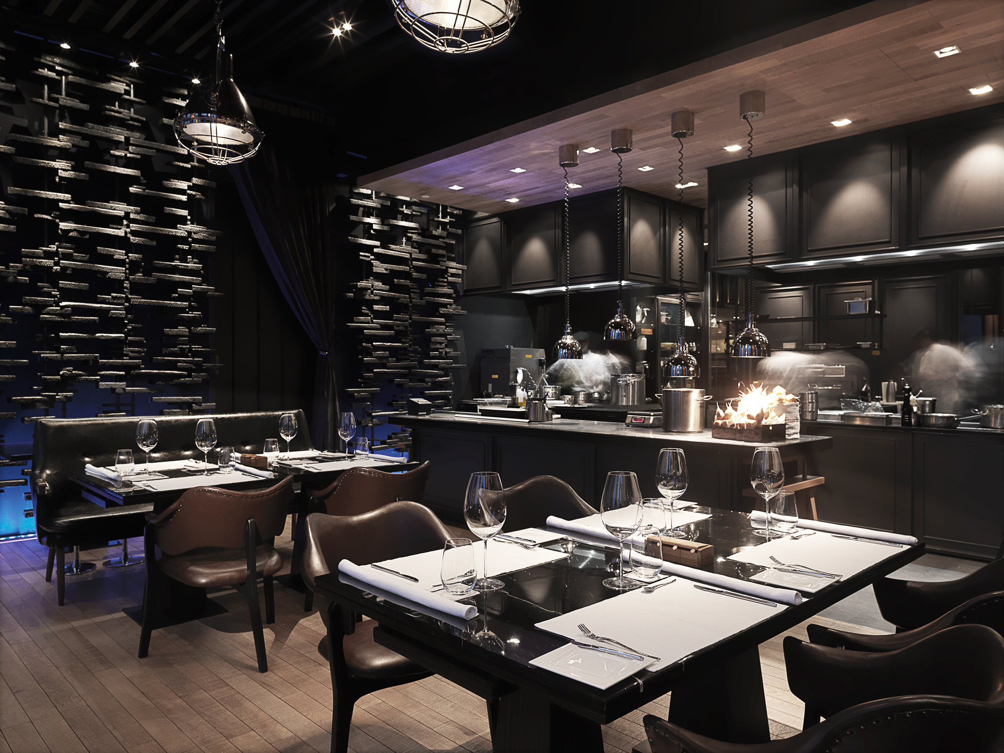 Two star michelin chef becker plans ace service at elements for Beckers hotel trier germany