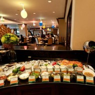 <b>International Buffet Cascade - Amari Atrium Bangko...</b>