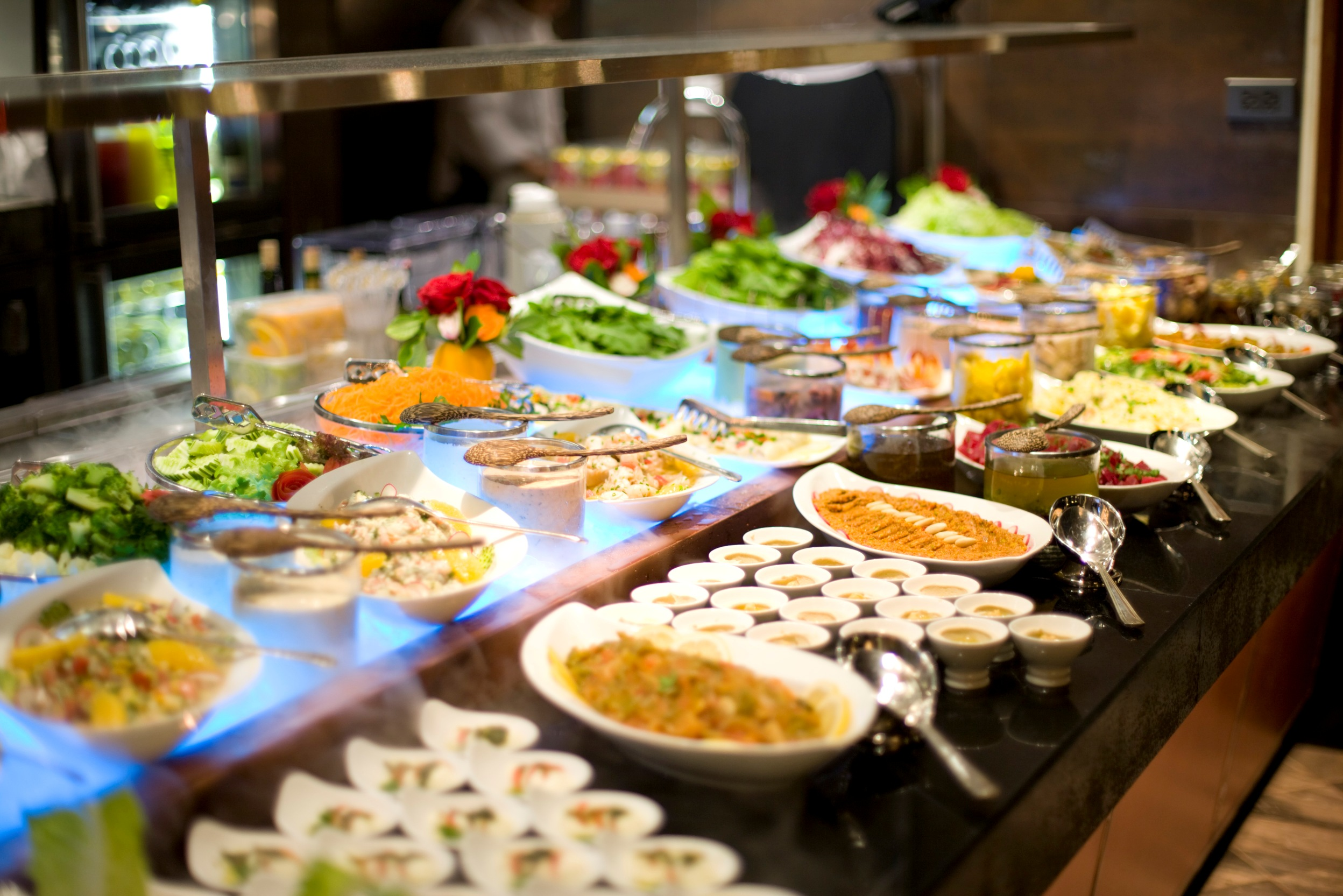 International buffet riverside terrace mandarin oriental for Table 30 personnes
