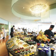 <b>International Buffet Lunch Lord Jim's - Mandarin O...</b>