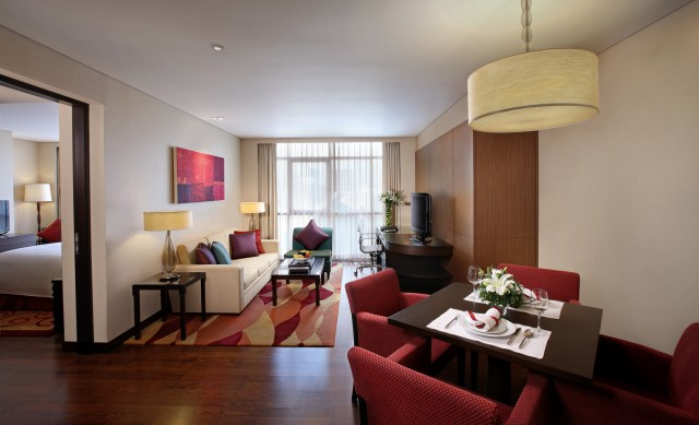 1-bedroom-executive-suite-Room-05.JPG