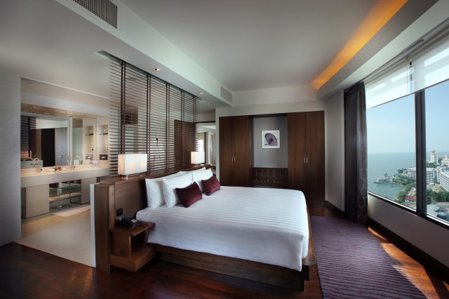 Amari-Orchid-Pattaya_Ocean-View-Junior-Suite.jpg