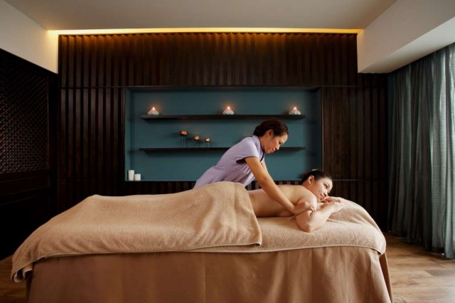 Centra-Central-Station-Hotel-Bangkok-E28093-Cense-by-SPA-Cenvaree-04