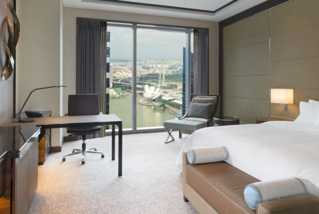 The-Westin-Singapore-Sea-view-King1