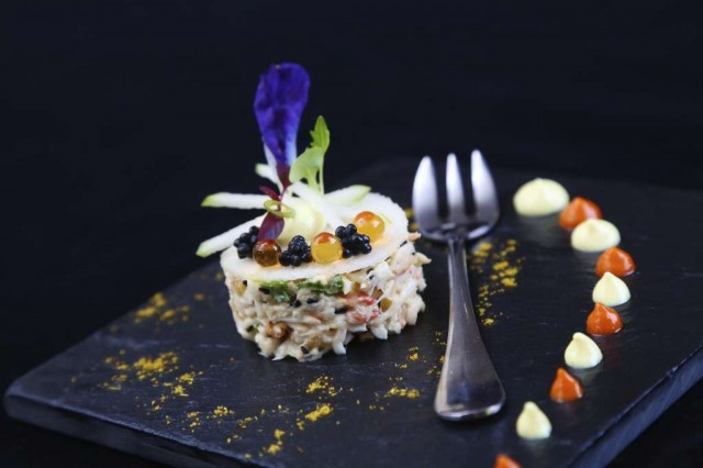 01.Christmas-Eve-at-LAppart_King-crab-tartar-yellow-curry-madras-flava...