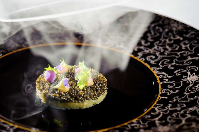 NYE13-Menu_Mezzaluna_Petrossian-Imperial-Caviar-Smoked-With-Peach-Wood-From-Doi-Ang-Khang-6