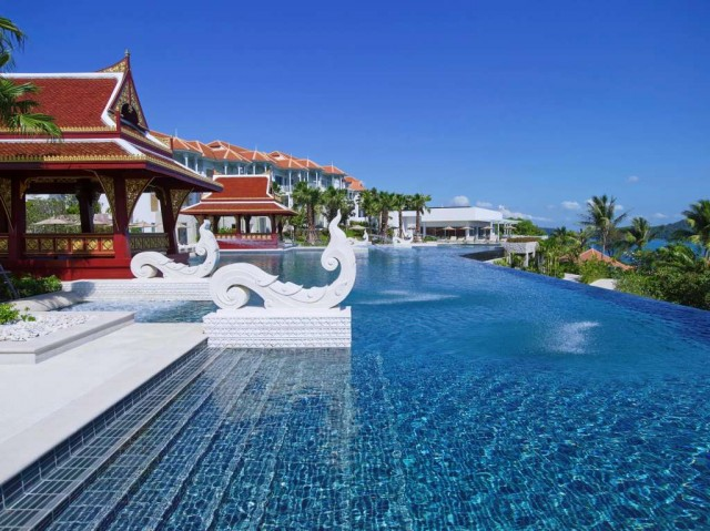 Regent-Phuket-Cape-Panwa-Outdoor-Infinity-edge-pool