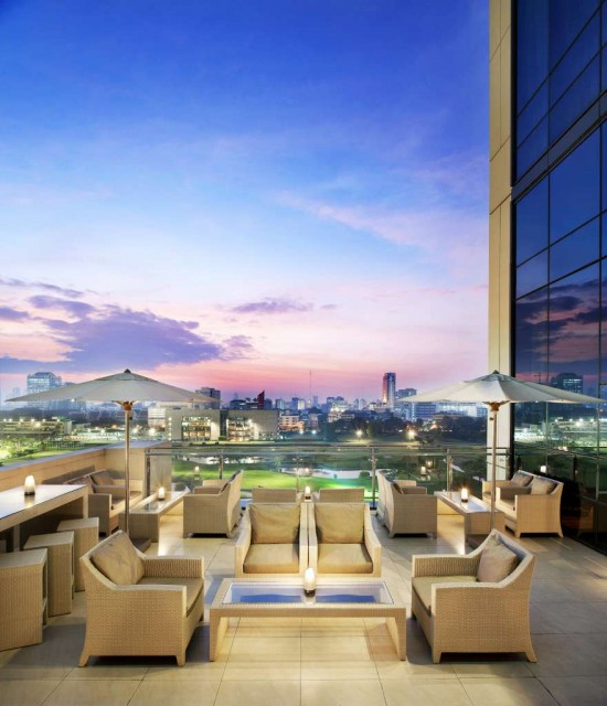 Sky-Lounge-at-The-St.-Regis-Bar