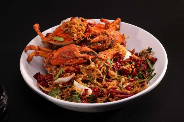 Stir-fried-Crab-with-Onion-and-Pepper