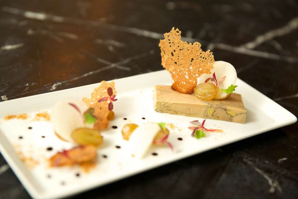 01.French-marbled-foie-gras-terrine-with-ginger-bread-crunchy-nashi-pear-and-grape-poeCC82le_Bastille-Day-at-LAppart_Sofitel-Bangkok-Sukhumvit
