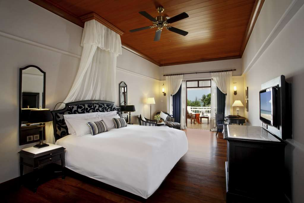 Centara-Grand-Beach-Resort-Villas-Hua-Hin-Deluxe-Club