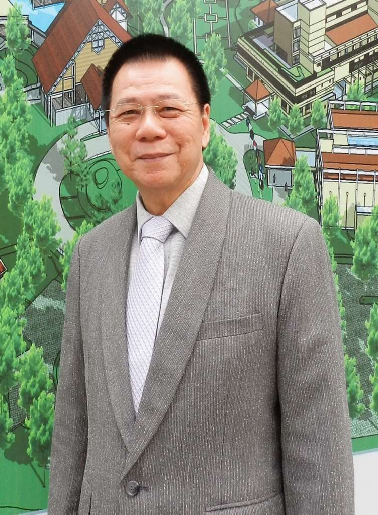 Steve-Chong-General-Manager-of-Sandy-Beach-Non-Nuoc-Resort-Da-Nang-Vietnam-Managed-by-Centara