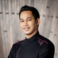 <b>Phongsak Mikhunthong Executive Sous Chef GLOW Prat...</b>