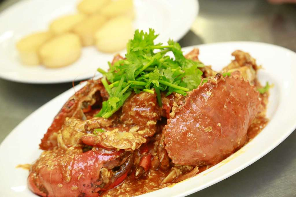 resized_Chilli-Crab-and-fried-buns