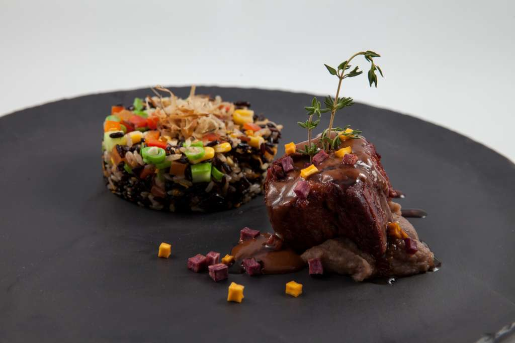 Breeze-for-JBF-Main-Braised-Niman-Ranch-short-rib-Yaan-flowering-wild-pepper-with-organic-farm-vegetable-brown-black-jasmine-rice-7-2