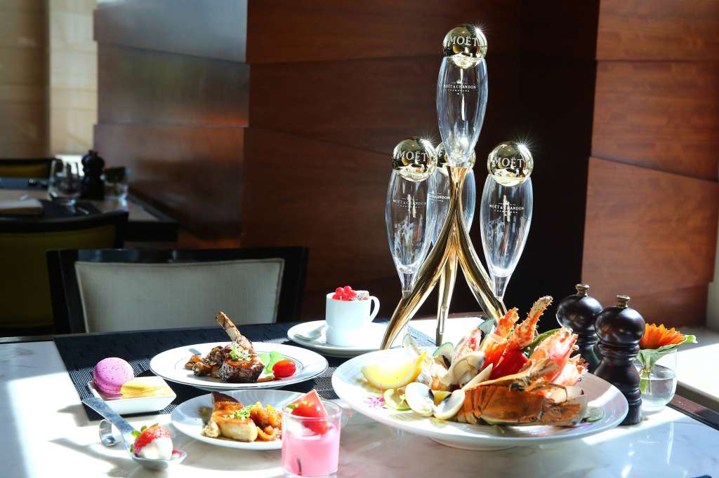 02.New-Year-Day-Buffet-Brunch-at-Voila_Sofitel-Bangkok-Sukhumvit