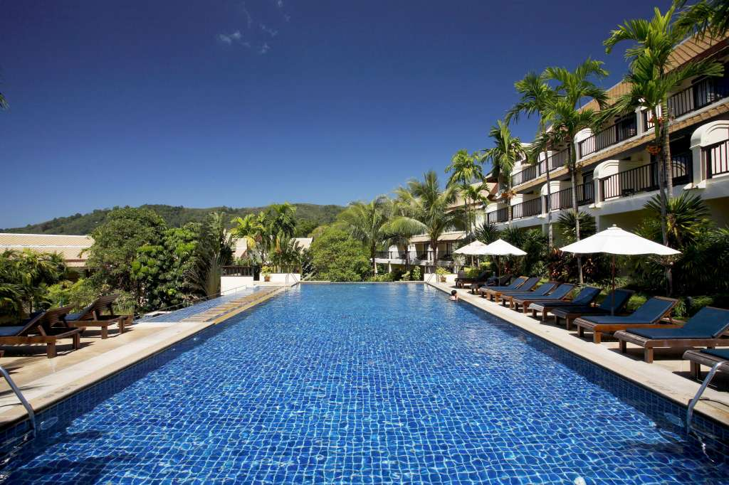 Centara-Blue-Marine-Resort-Spa-Phuket-Swimming-pool