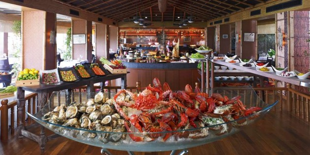 Famous Sunday Brunch at Anantara Bangkok Riverside Resort & Spa