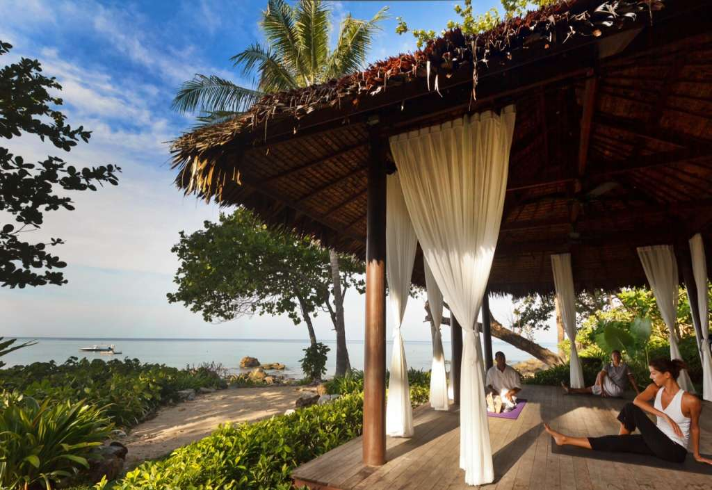 Trisara_Spa_10_Yoga_Beachfront