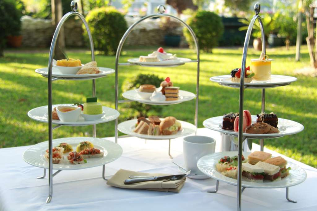 03.High-Tea-in-the-Garden