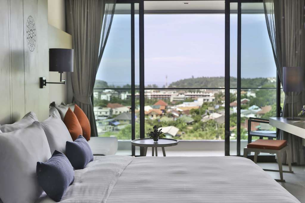 Eastin-Yama-Hotel-Phuket_Superior-Sea-View3