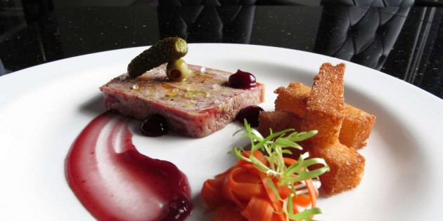 """BABETTE'S – THE STEAKHOUSE BANGKOK WITH """"MASTER OF WINE"""" COLIN GENT"""