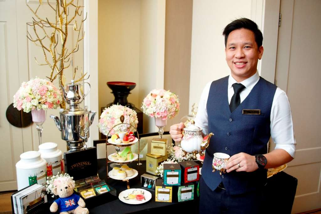 7.Twinings-Tea-BoutiqueE28099s-tea-master-Mr.-Theerasak-Phangmuangdee_2589
