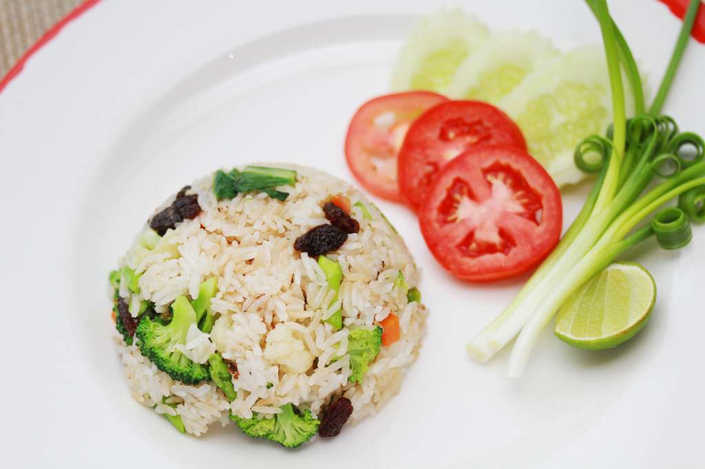 Fried-rice-with-vegetarian-chicken