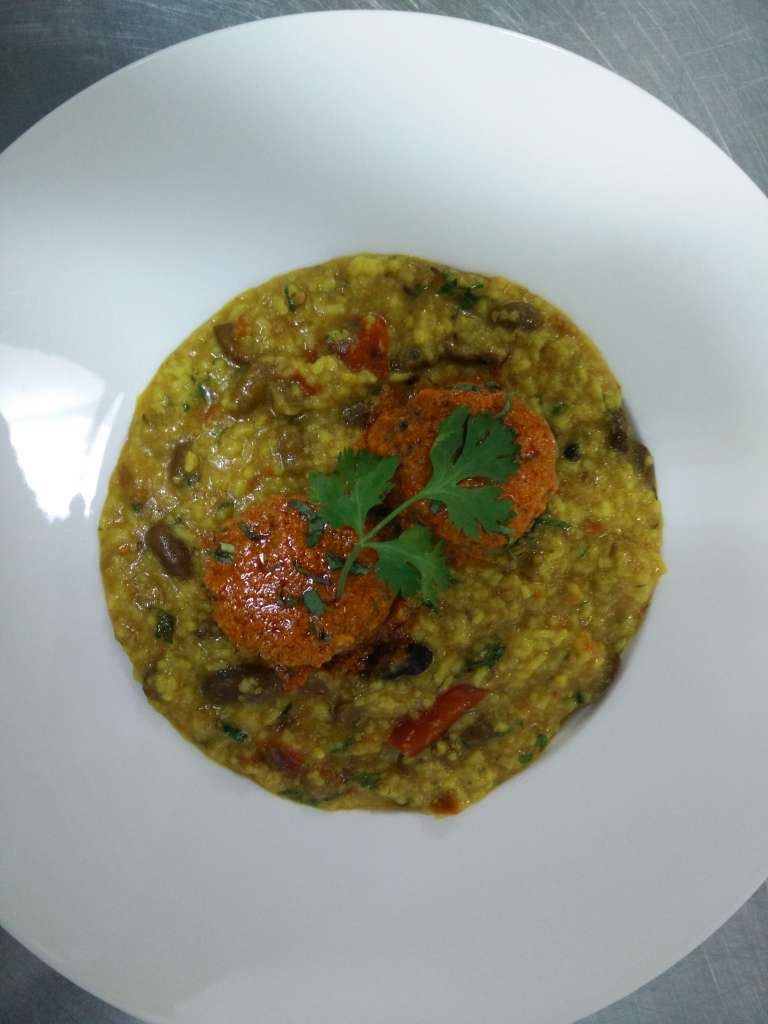 rajma-khichdi-with-homemade-wadi-
