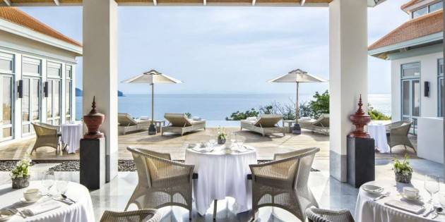 The Retreat, Amatara's ocean-view restaurant serving healthy spa cuisine