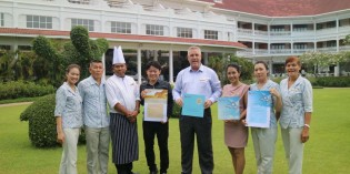"Centara Grand Beach Resort & Villas Hua Hin Won ""TUI Holly 2016"" and ""TUI Top Quality 2016"" from TUI Deutschland"