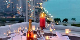 ROMANTIC DINNER ON THE ROOFTOP BAR, D VAREE INSPIRATION BAR AT D VAREE JOMTIEN BEACH PATTAYA