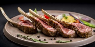 DRY-AGED BEEF ALWAYS TASTES BETTER AT CROWNE PLAZA BANGKOK LUMPINI PARK