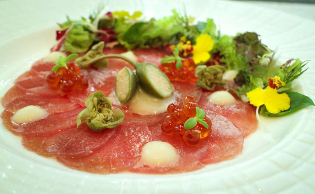 Best-Sommelier-Wine-Evening_Yellow-Tail-Tuna-Carpaccio