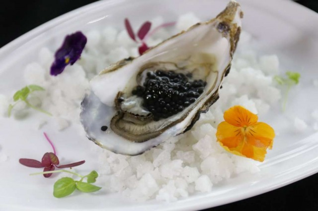 Course-1-Fine-de-Claire-Oyster-and-Baeri-Royal-caviar-1_resize