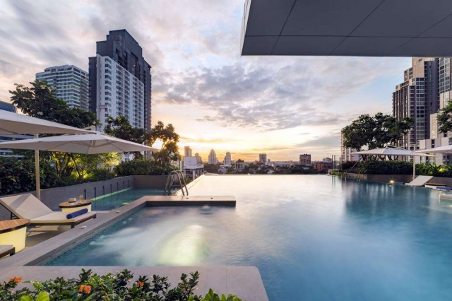 SR_Thailand_BKK_Som-Sukhumvit-Thonglor_Swimming-Pool-04-LR