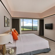 <b>Tinidee Hotel@Bangkok Golf Club A Business and Lei...</b>