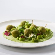 <b>The Crowning Touch Comes Home! 2-Michelin Star Che...</b>