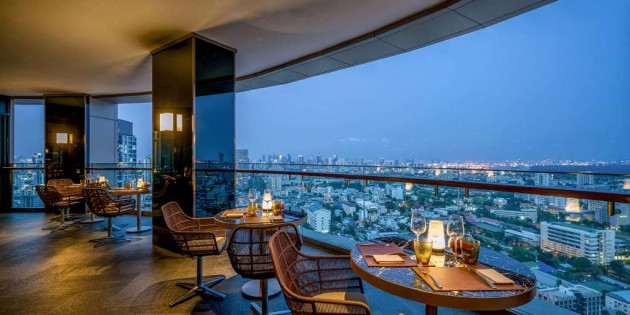 Evening of Culinary Romance at Anantara Sathorn's ZOOM Sky Lounge