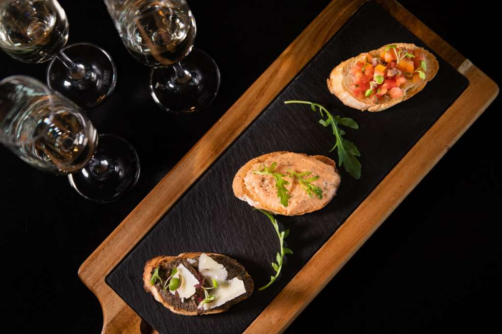 Trio-Bruschetta-with-wine-3