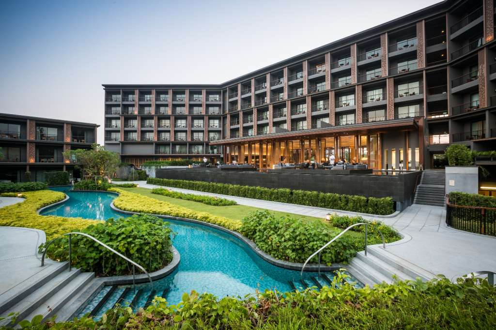 Hua-Hin-Marriott-Resort-Spa-Exterior-Main-Building